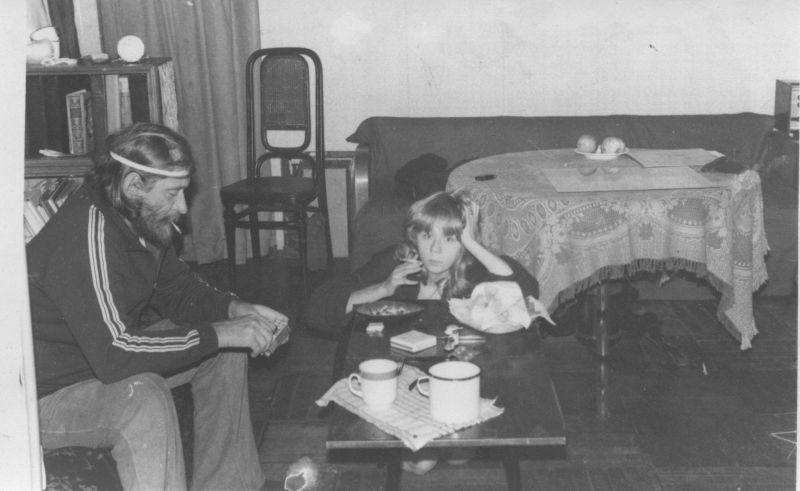Евгений Михнов-Войтенко с двоюродной племянницей, 1980-е гг.