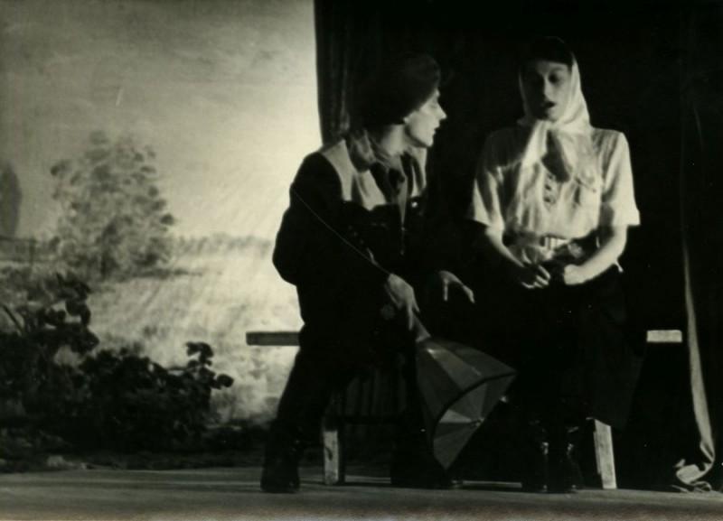 Евгений Михнов-Войтенко в студийном спектакле