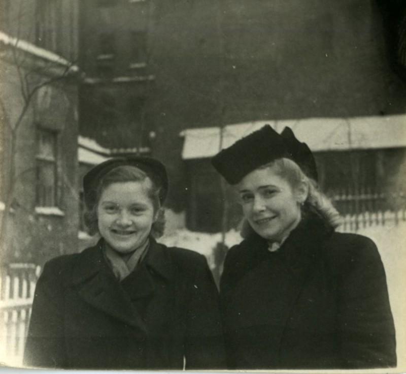 Мама и Кира