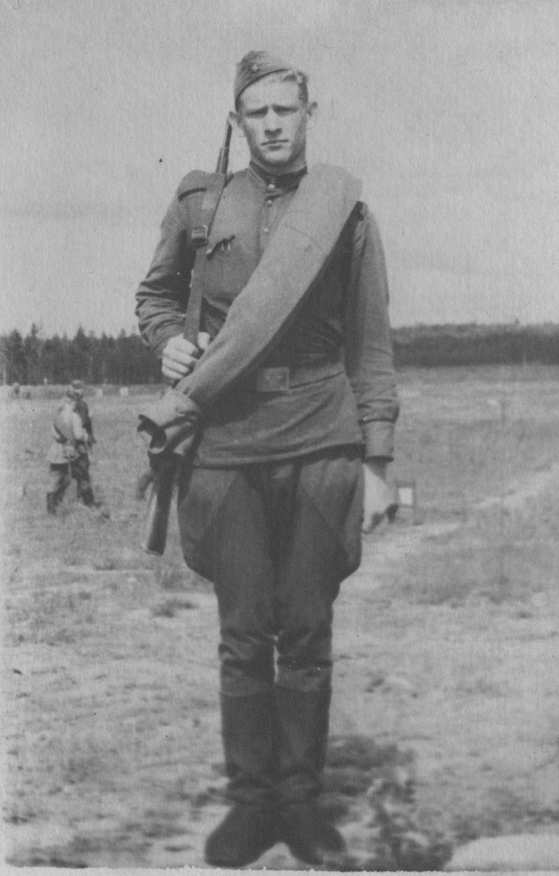 Евгений Михнов-Войтенко. 1957 год
