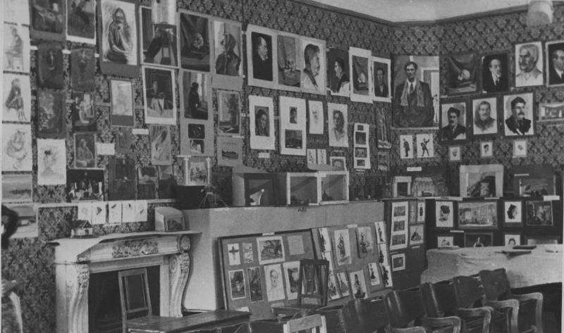 Выставка учеников Н. П. Акимова. 1958 год.
